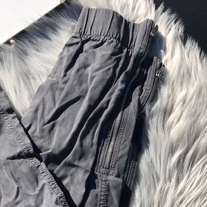 GAP Pants - Gap Gray Cargo Skinny Pants